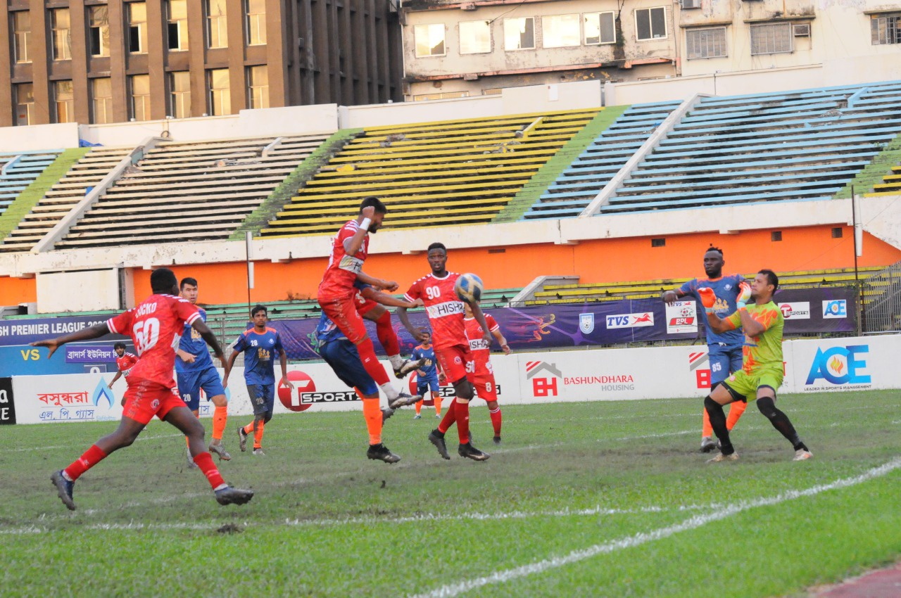 Bangladesh Muktijoddha SKC defeated Brothers Union Ltd. by 4-0 goals