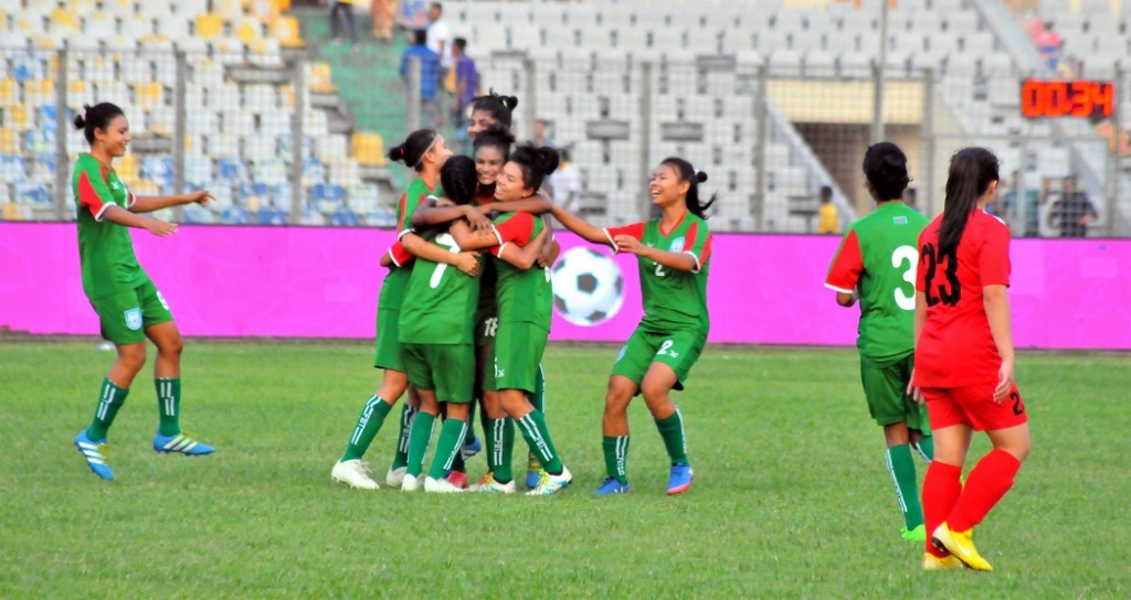 Bangamata Gold Cup: Bangladesh in semis as group champs