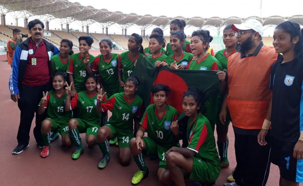 U15 girls rain goals to clinch four-nation title