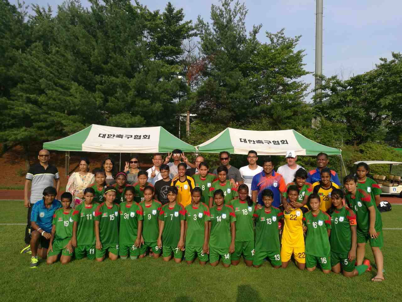 U-16 seal tour with easy win