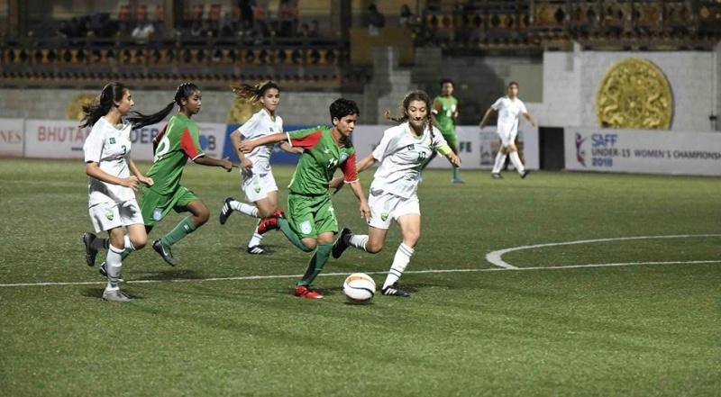 U15 girls dismantle Pakistan 14-0