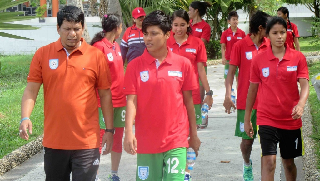 Bengal girls prepare to bounce back against India