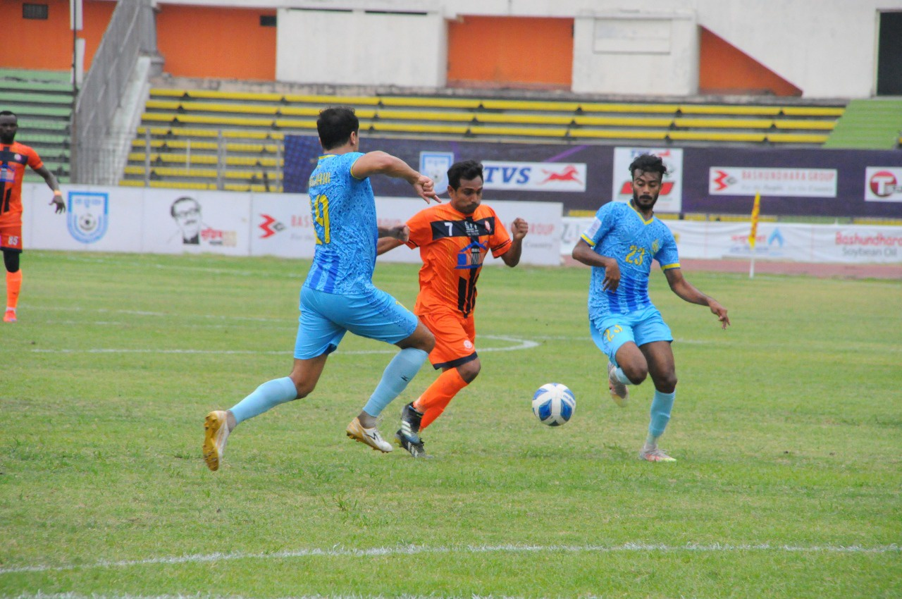 Abahani Ltd. defeated Brothers Union Ltd. by 5-2 goals