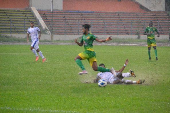 Uttar Baridhara Club defeated Rahmatganj MFS by 2-1 goals