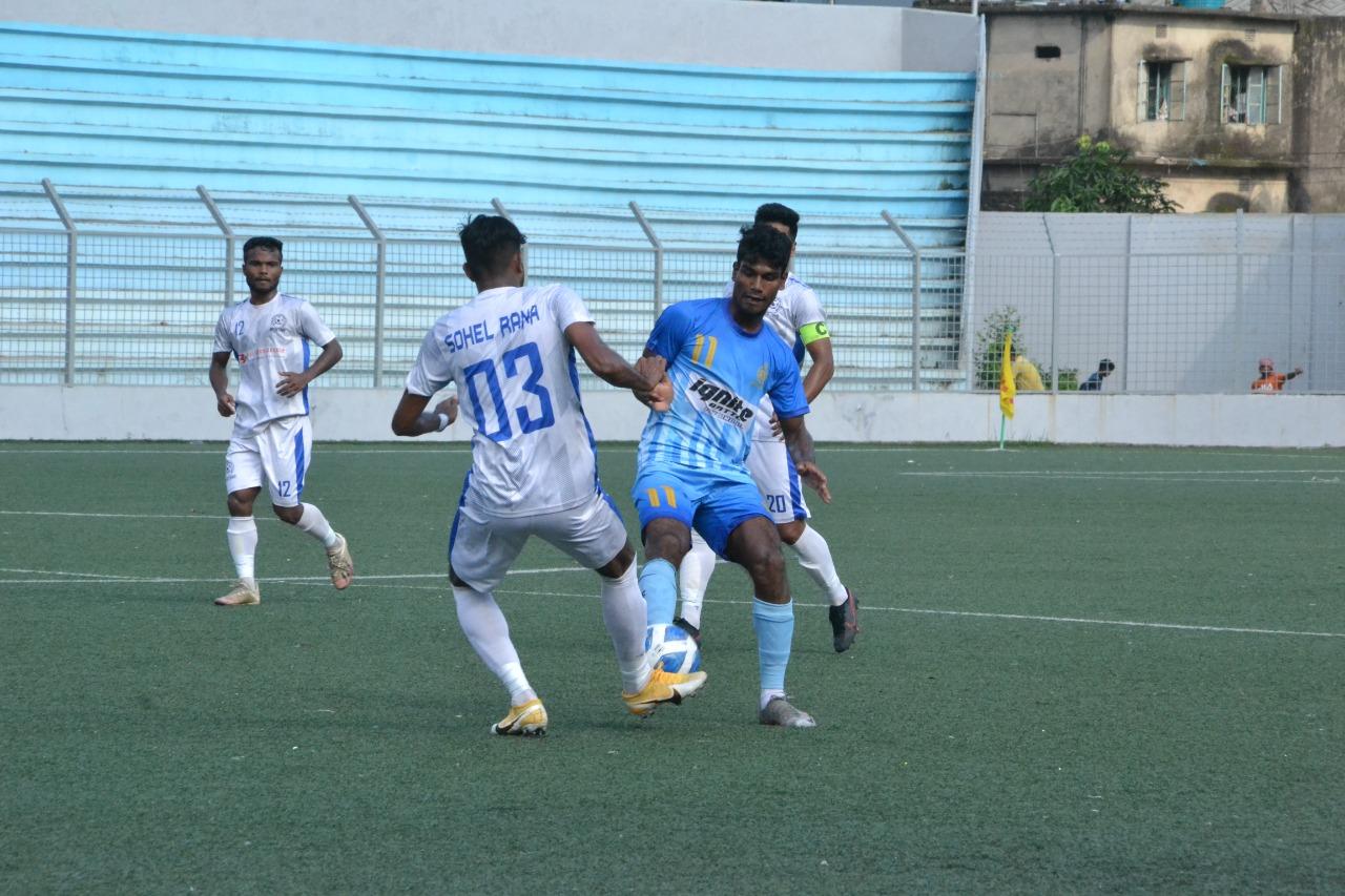 Chittagong Abahani Ltd. defeated Uttar Baridhara Club at 4-3 goals